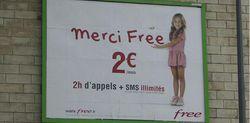 Publicité Free Mobile fillette
