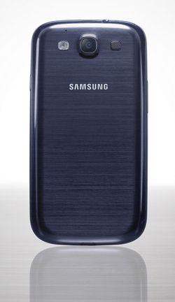 Samsung Galaxy S III 02