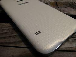Samsung_Galaxy_S5_Dos_b