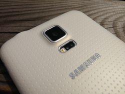 Samsung_Galaxy_S5_Dos_a