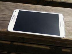 Samsung_Galaxy_S5_h