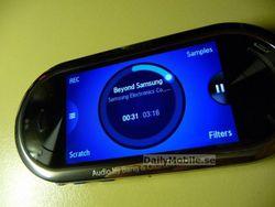 Samsung M7600 2