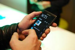 Samsung Omnia 7 06