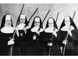 Sisters in arms bonnes soeurs armees small