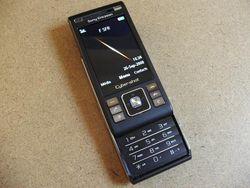 Sony Ericsson C905 03