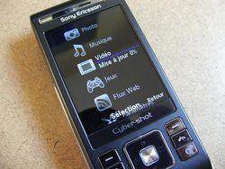 Sony Ericsson C905 13