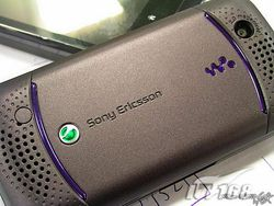 Sony Ericsson W395 4