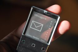 Sony Ericsson Xperia Pureness 18