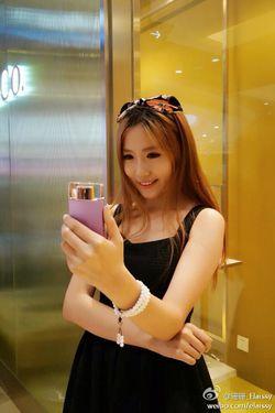 Sony selfies 3