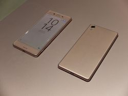 Sony Xperia X 01