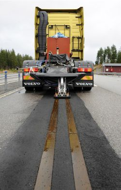 volvo-electric-road