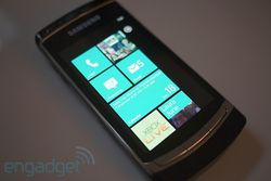 Windows Phone 7 Engadget 01