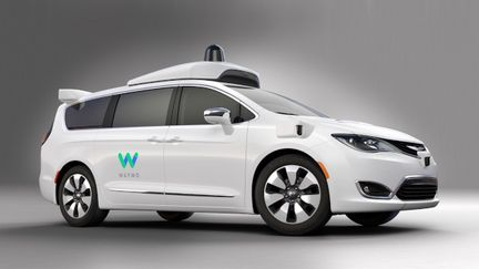 Waymo-Chrysler-Pacifica-monospace-autonome