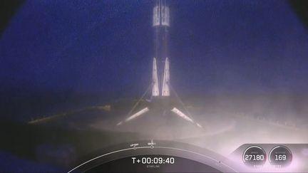 falcon-9-booster-b1051-neuvieme-vol-atterrissage