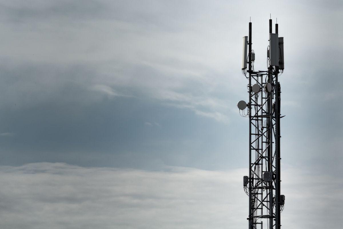 Zones blanches et 4G: l'Arcep n'est pas contente des opérateurs