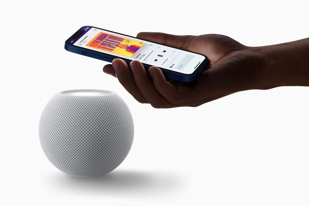 apple-homepod-mini-iphone