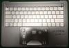 Apple : des photos officieuses du châssis du MacBook Pro et son écran OLED sur le clavier