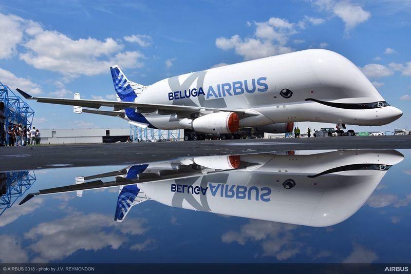 L'imposant BelugaXL réussit son premier vol
