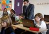 Manuels scolaires numériques : troquer les maux de dos pour des maux de tête