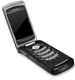 Blackberry Flip 8220 02