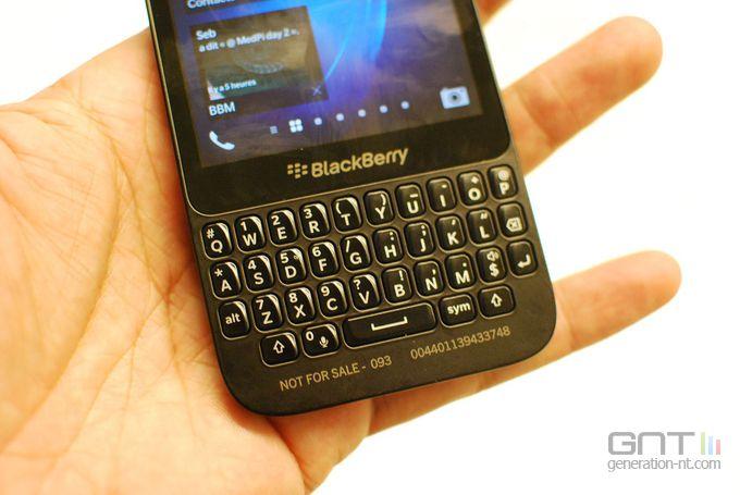 blackBerry Q5 03