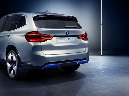 BMW iX3 03