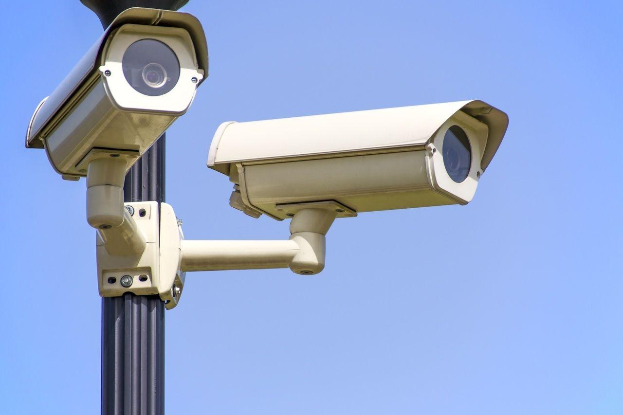 Les cinq questions à se poser avant d'investir dans une caméra ip de surveillance