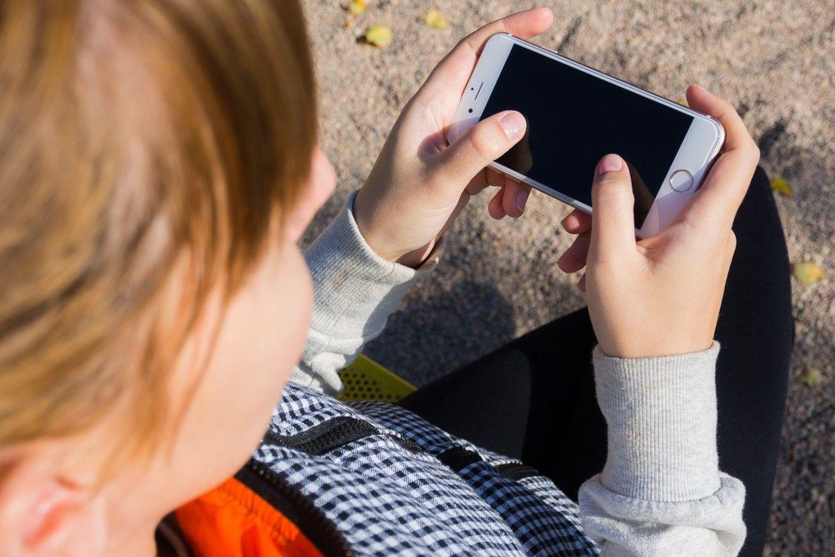 40 % des élèves de primaire seraient sur les réseaux sociaux