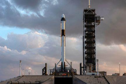 Falcon-9-Crew-Dragon