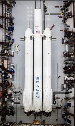 Falcon Heavy 02