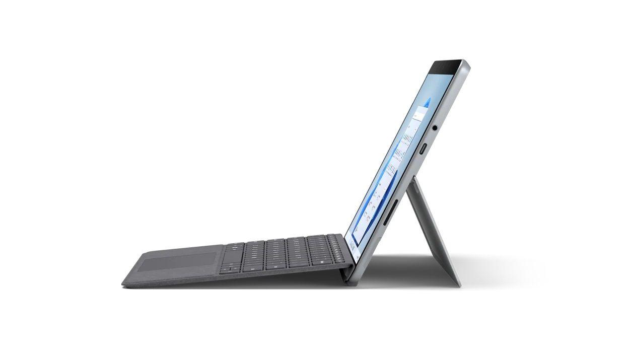 Microsoft Surface Go 3 03