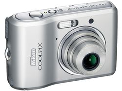 Nikon Coolpix L18 face 1