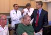 Paralysie : des micro puces implantées dans le cerveau pour récupérer en mobilité
