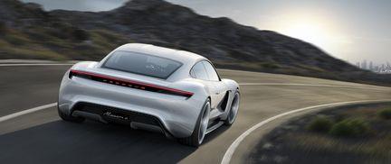Porsche Mission E 04