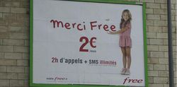 Publicité Free Mobile fillette