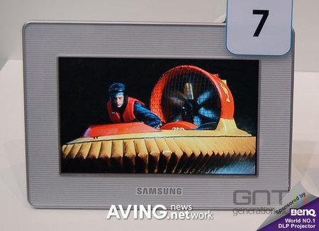 Samsung SPF-72V vue 3