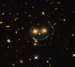 SDS J1038+4849 galaxies smiley
