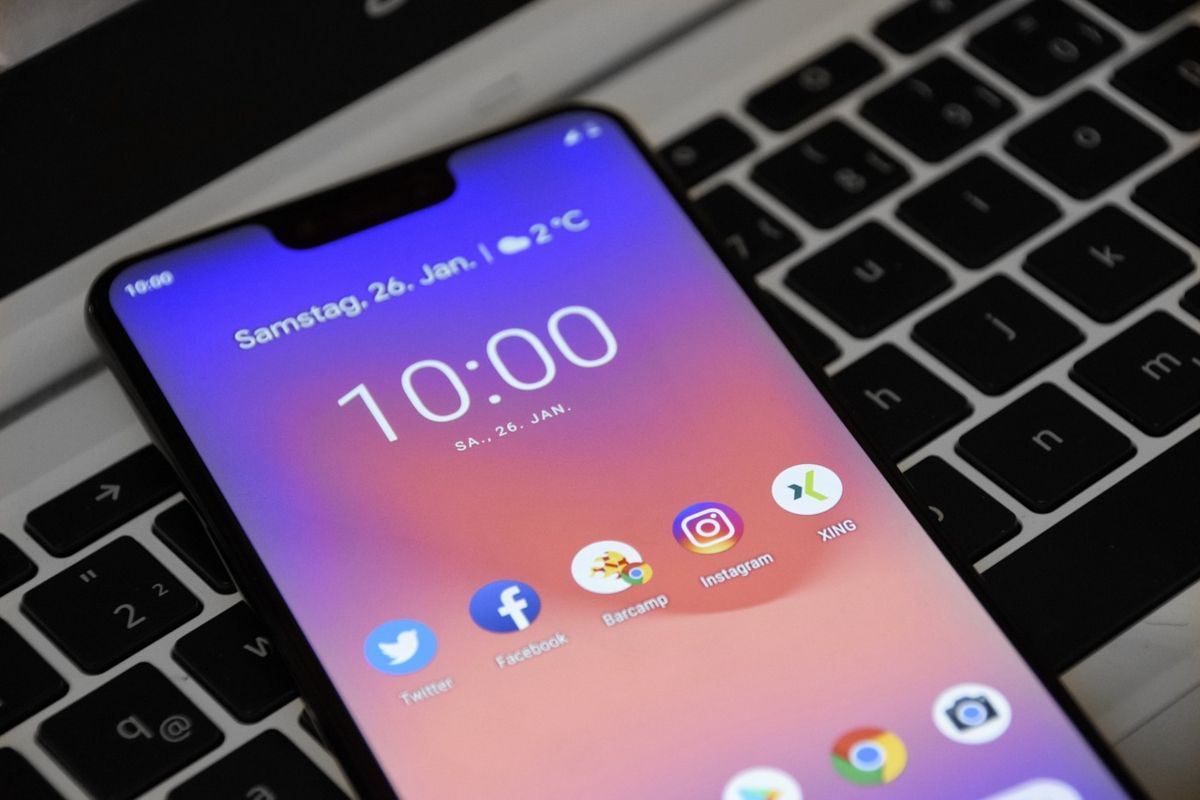 smartphone-media-social
