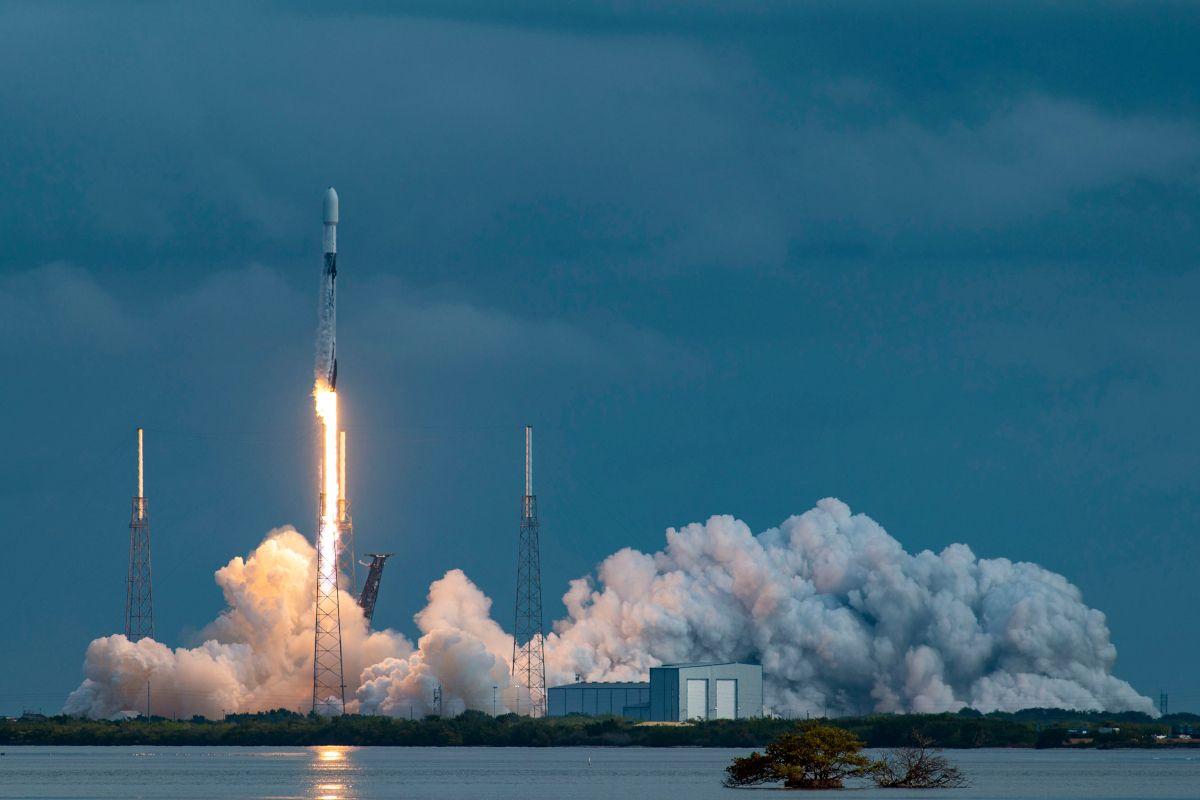 SpaceX déploie un nombre record de satellites en une mission !