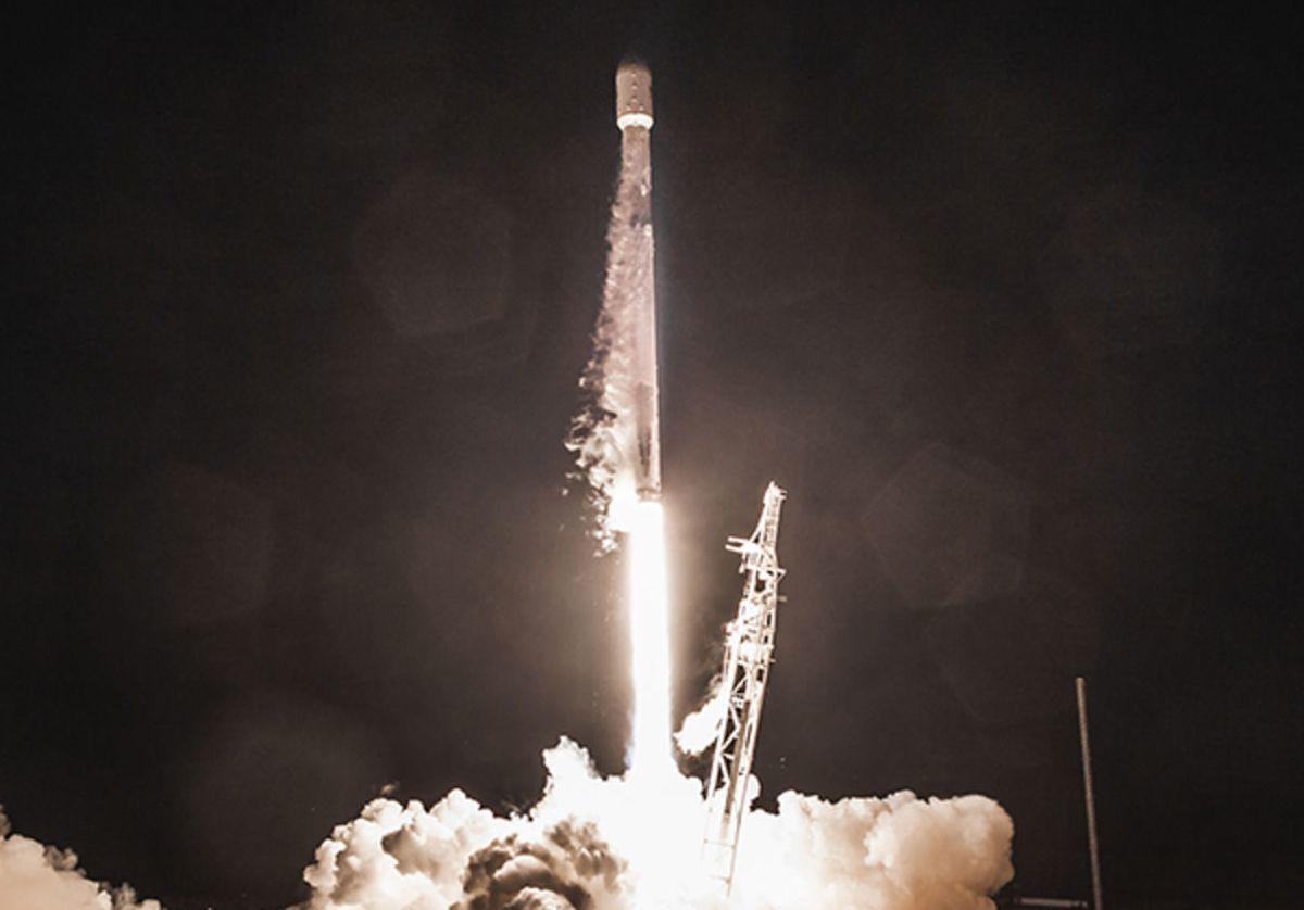 SpaceX veut lancer 30 000 satellites en orbite