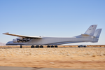 Stratolaunch-test-roulage