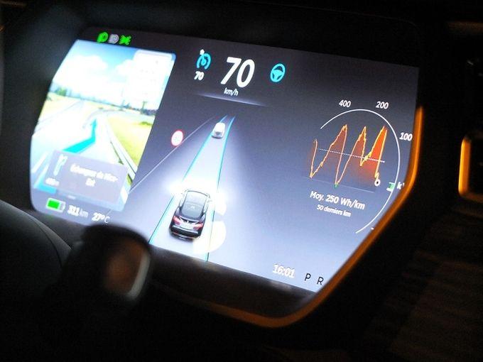 Tesla autopilote 02
