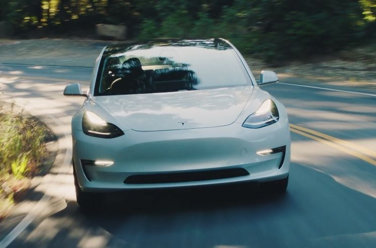 Tesla Model 3 : la sortie de l'enfer de la production dans un mois avec la montée de la cadence