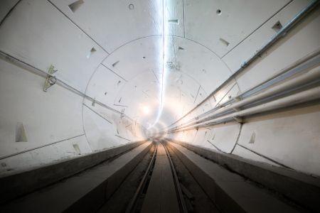 The Boring Company : une Tesla Model X roule dans le tunnel à Los Angeles