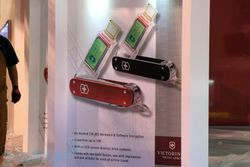 Victorinox - couteau suisse USB 1 To.