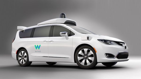 Waymo-Chrysler-Pacifica-monospace-autonome